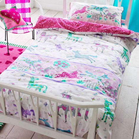 designers guild kinderbettw sche horsing around online kaufen emil paula kids. Black Bedroom Furniture Sets. Home Design Ideas