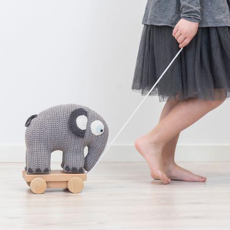 Sebra Häkel-Elefant auf Rädern Grau
