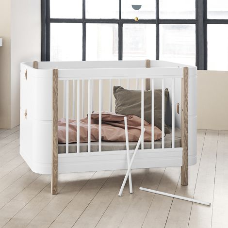 Oliver Furniture Baby- und Kinderbett Wood Mini+ Weiß/Eiche