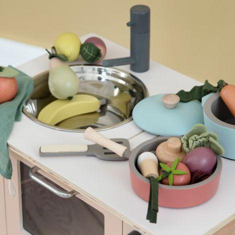 Sebra Küchenzubehör aus Holz Warm Grey