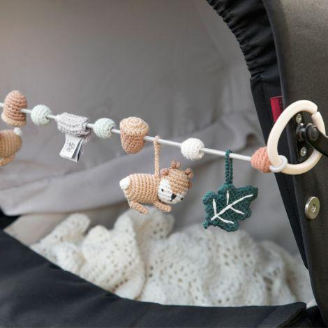 Sebra Häkel-Kinderwagenkette Sika der Hirsch