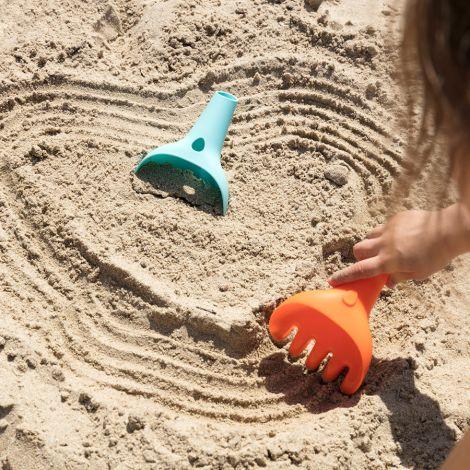 Quut Multi-Spielzeug Raki Schaufel, Harke und Trichter Meeresblau