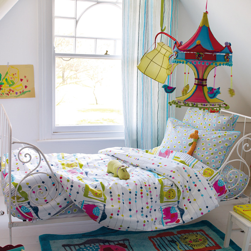 designers guild kinderbettw sche circus parade online kaufen emil paula kids. Black Bedroom Furniture Sets. Home Design Ideas