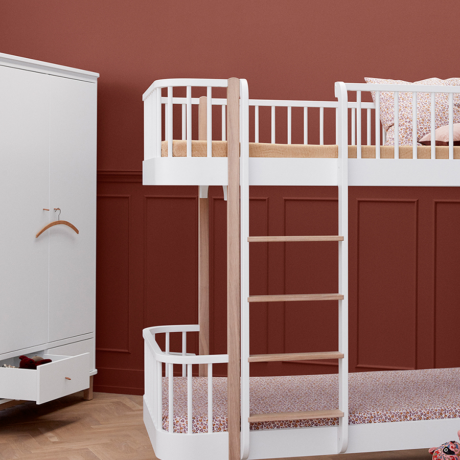 oliver furniture wood kleiderschrank 2 t rig wei eiche online kaufen emil paula kids. Black Bedroom Furniture Sets. Home Design Ideas