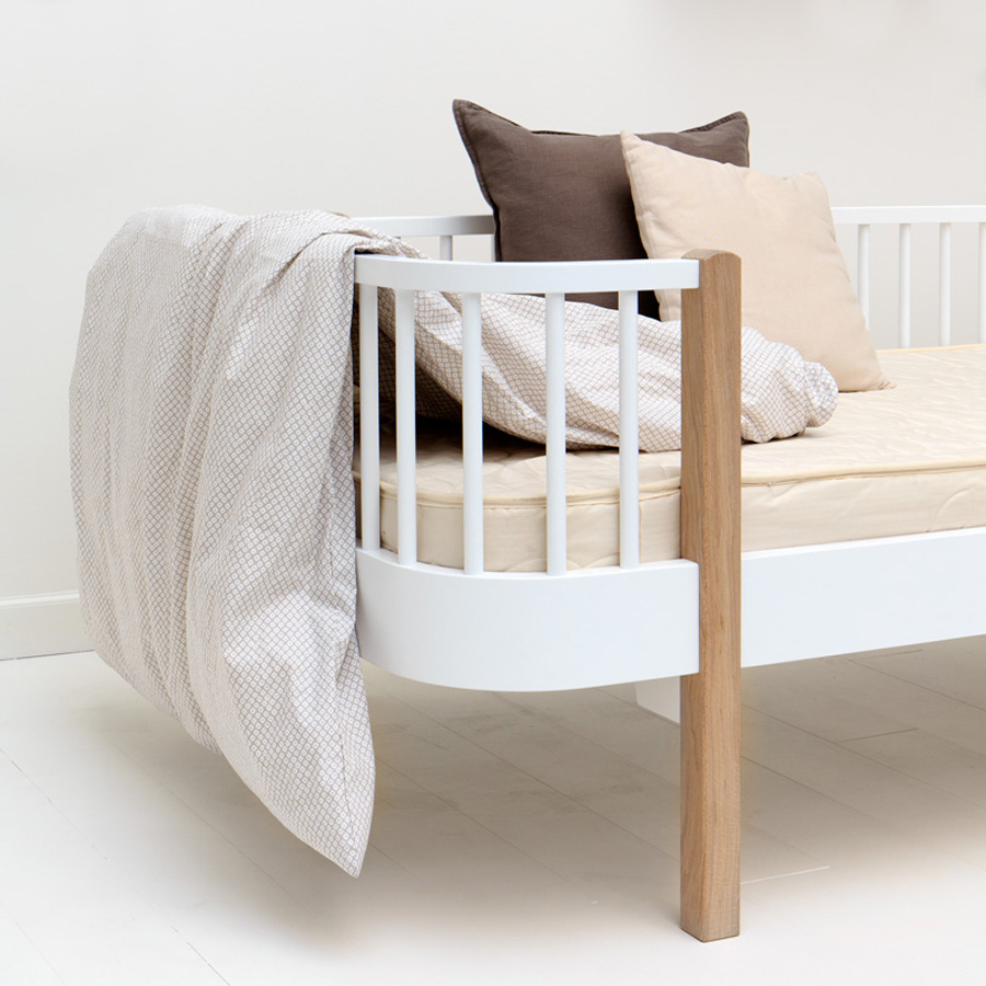 oliver furniture matratze 90x200 cm runde ecken online kaufen emil paula kids. Black Bedroom Furniture Sets. Home Design Ideas