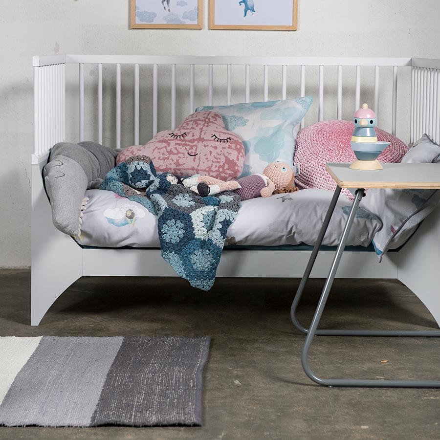 sebra teppich gewebt grau online kaufen emil paula kids. Black Bedroom Furniture Sets. Home Design Ideas