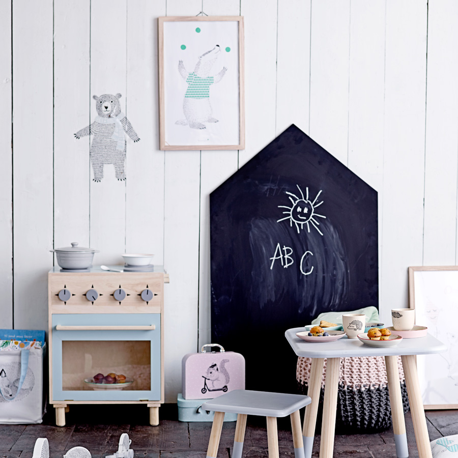 bloomingville tafel house online kaufen emil paula kids. Black Bedroom Furniture Sets. Home Design Ideas