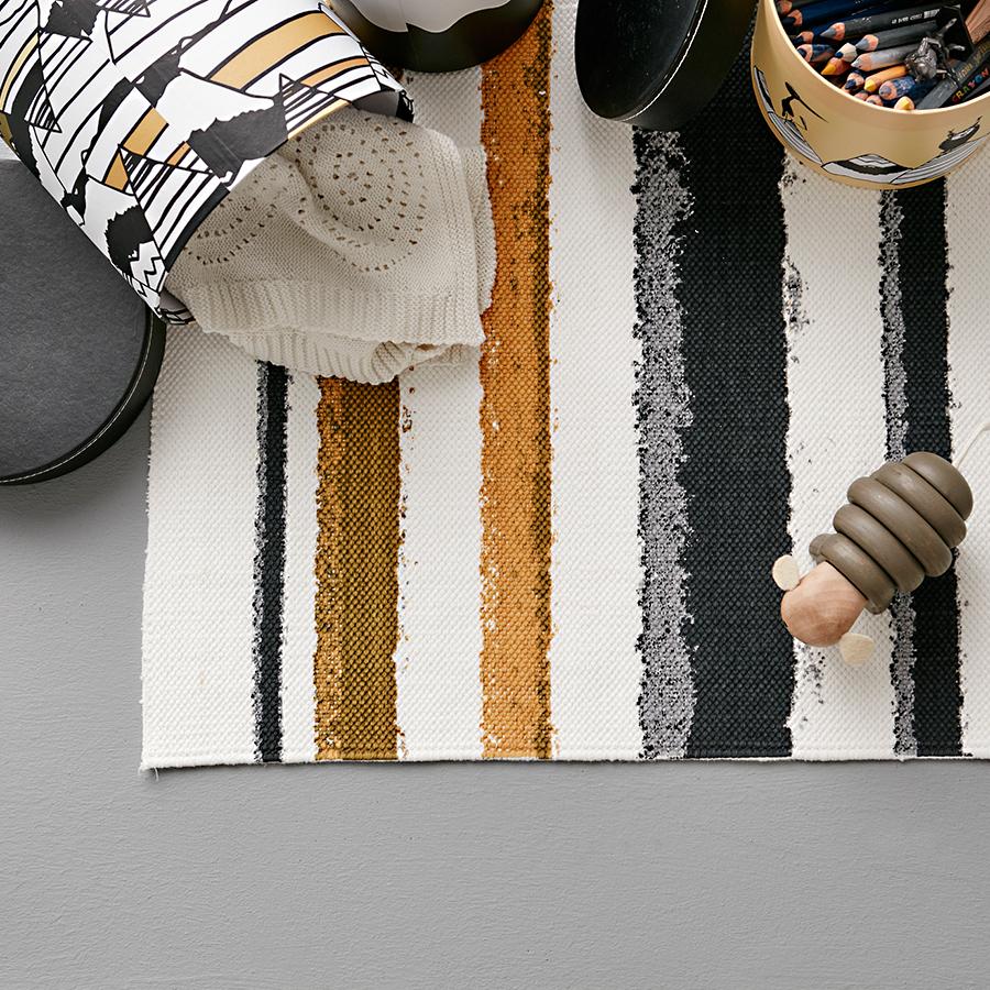 kids concept teppich neo gestreift schwarz online kaufen emil paula kids. Black Bedroom Furniture Sets. Home Design Ideas