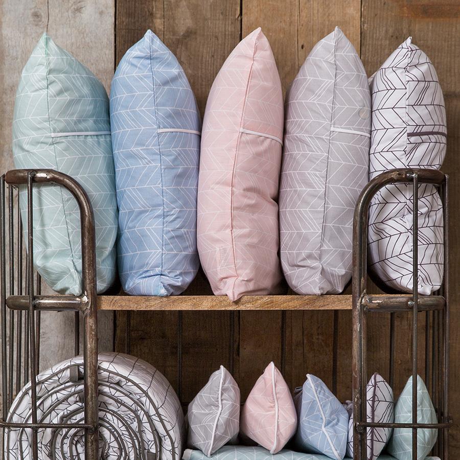 little dutch kissenh lle inkl inlett 40x40 blue leaves online kaufen emil paula kids. Black Bedroom Furniture Sets. Home Design Ideas