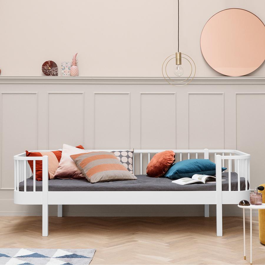 Oliver Furniture Bettsofa Wood Weiß online kaufen | Emil & Paula Kids