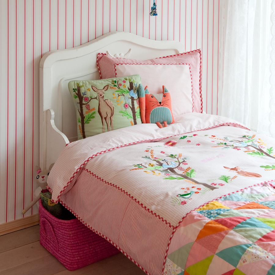 room seven bettw sche deer in wood pink bestickt. Black Bedroom Furniture Sets. Home Design Ideas