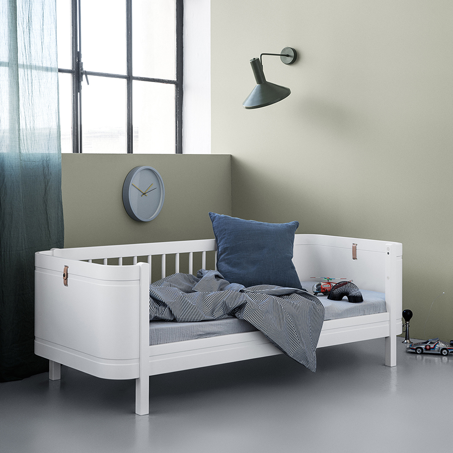 oliver furniture baby und kinderbett wood mini wei online kaufen emil paula kids. Black Bedroom Furniture Sets. Home Design Ideas