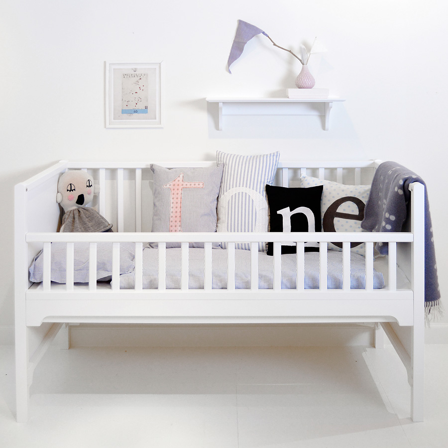 oliver furniture baby und kinderbett seaside wei sofort lieferbar online kaufen emil. Black Bedroom Furniture Sets. Home Design Ideas