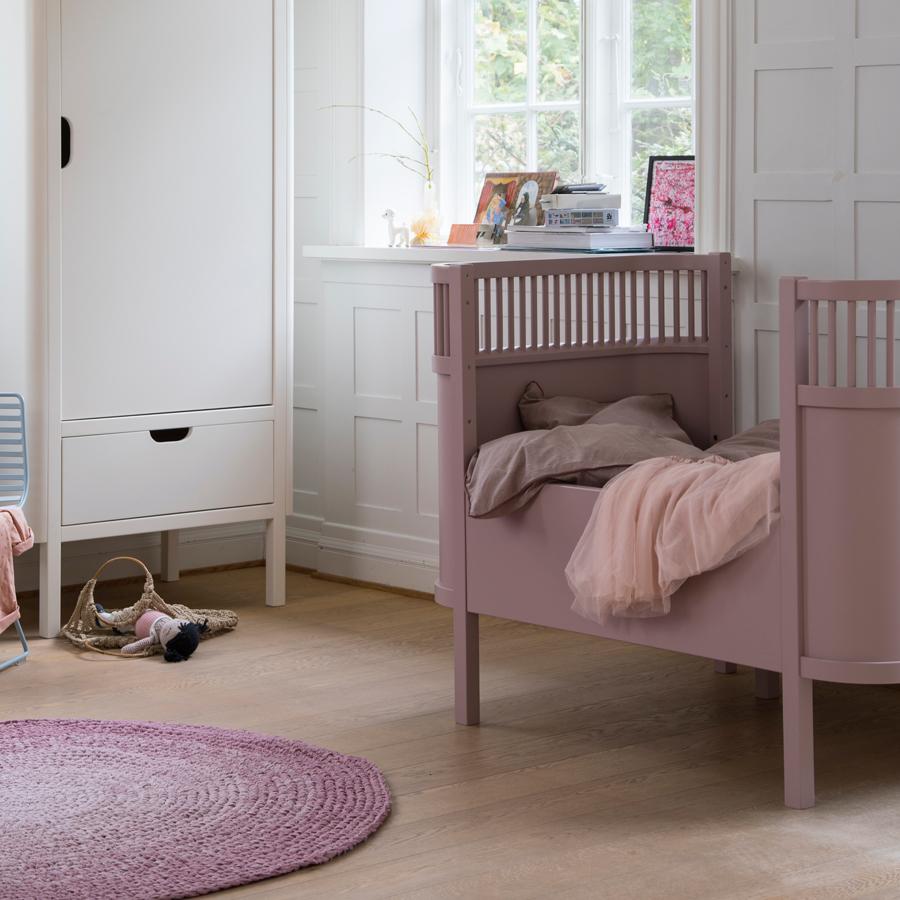 sebra baby kinderbett altrosa online kaufen emil paula kids. Black Bedroom Furniture Sets. Home Design Ideas