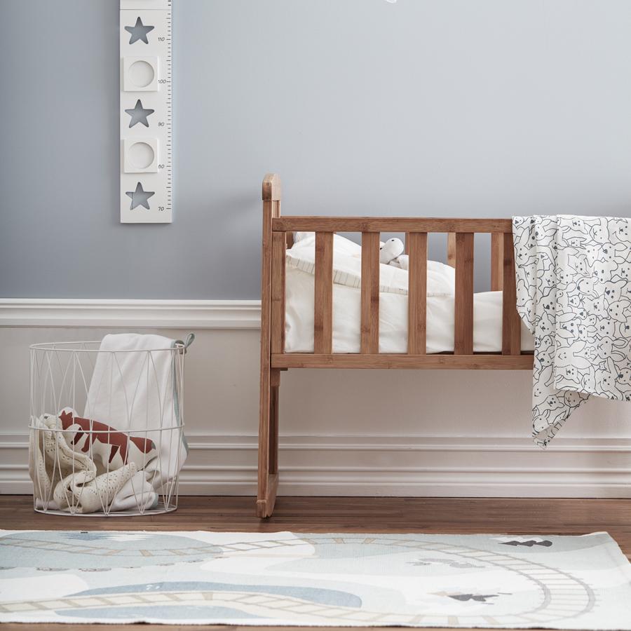 kids concept teppich wald edvin wei gr n multi online kaufen emil paula kids. Black Bedroom Furniture Sets. Home Design Ideas