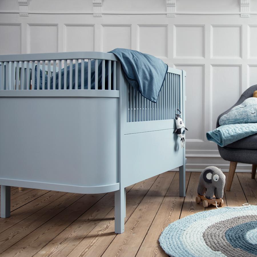 sebra baby kinderbett wolkenblau online kaufen emil paula kids. Black Bedroom Furniture Sets. Home Design Ideas