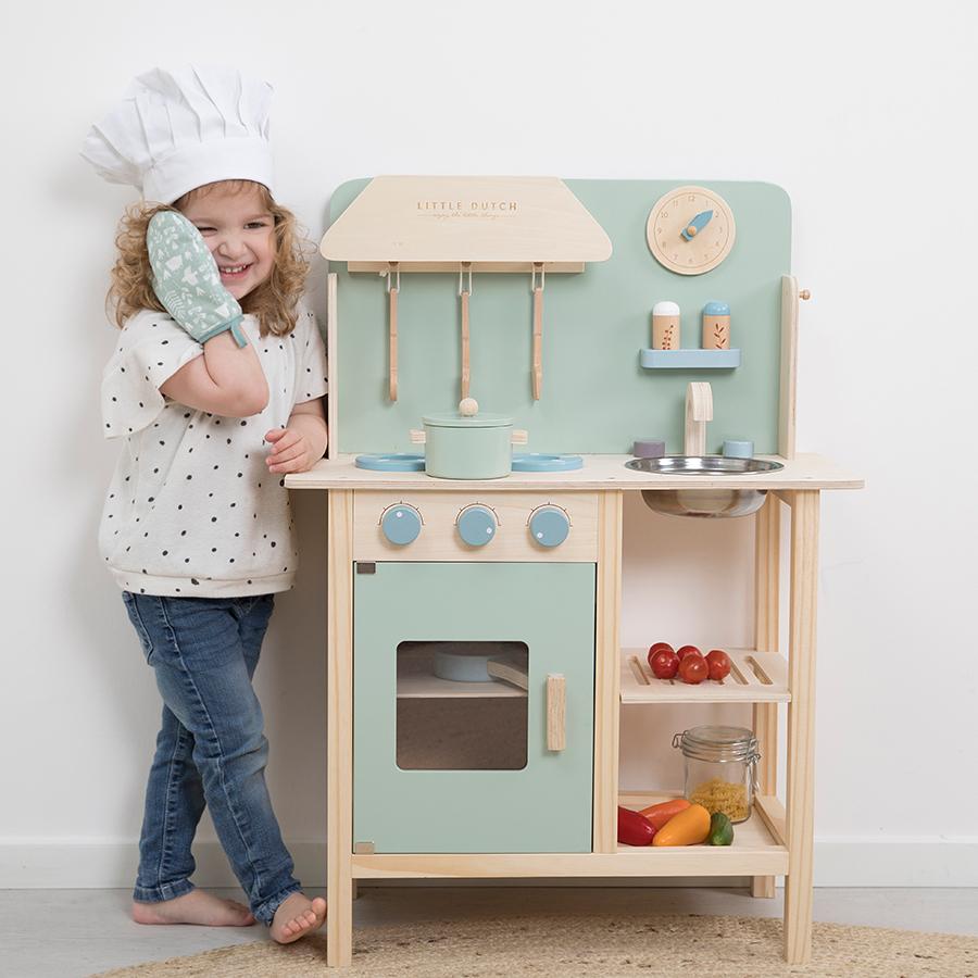 Little Dutch Kinderspielküche aus Holz Adventure online kaufen ...